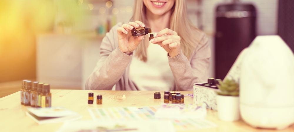5 esenciálnych olejov pre hormonálnu rovnováhu